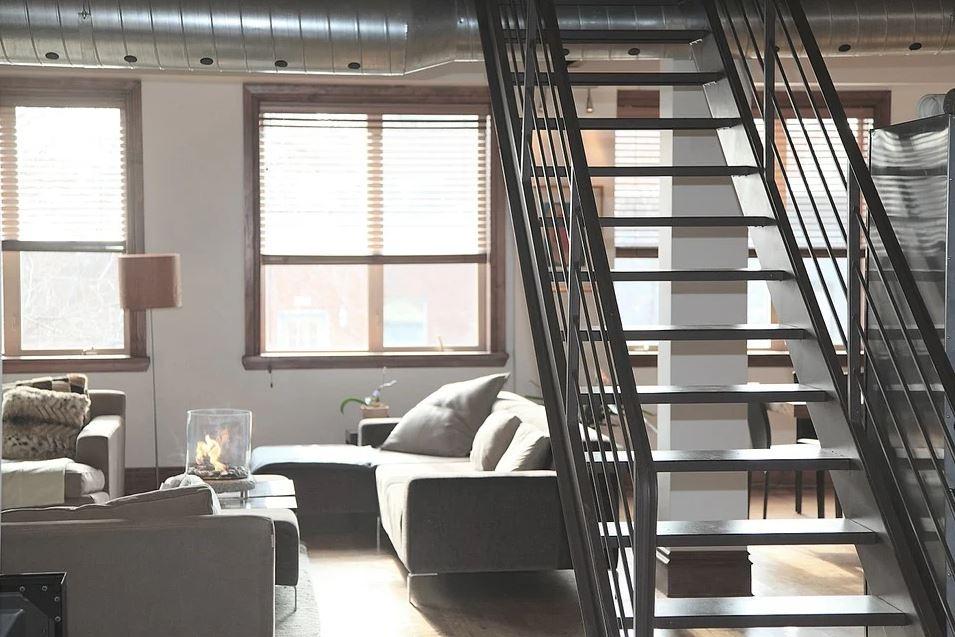 Welche Kosten fallen bei einem Treppenlift an?
