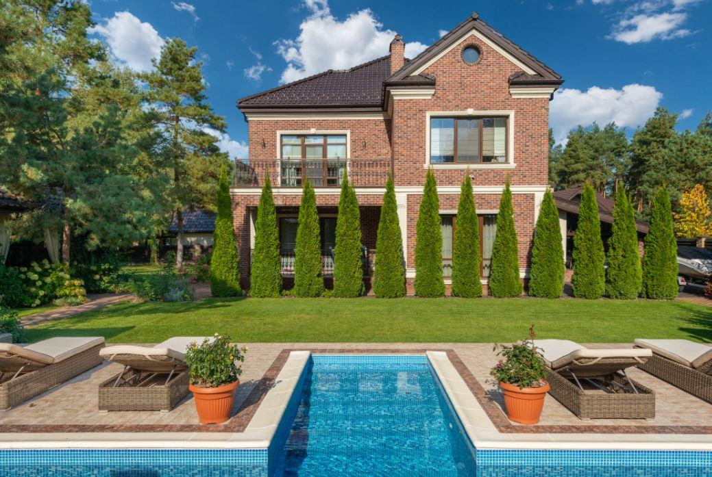 So kannst du Garten und Terrasse verschönern